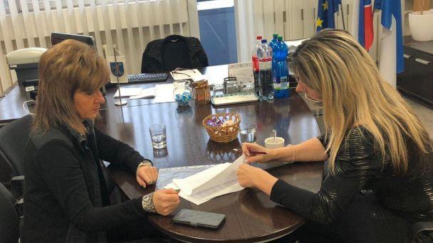 Stretnutie s vicežupankou pre dopravu Bratislavského samosprávneho kraja za účelom zriadenia zachádzky na Železničnú stanicu v trase regionálnej linky 525