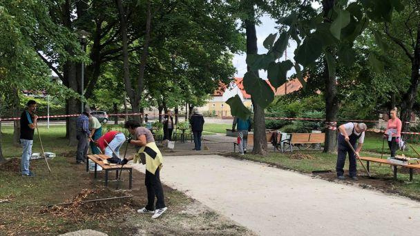 Pozvánka na slávnostné otvorenie Rakús parku - miesta pre seniorov